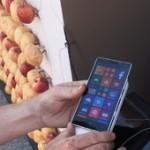 Необычная зарядка Nokia Lumia 930